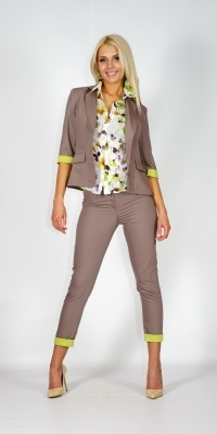 Sports- elegant lady's suit in sandy brown colour with contrasting decorative elements in spring green consisting of a jacket and trousers 80620-60459