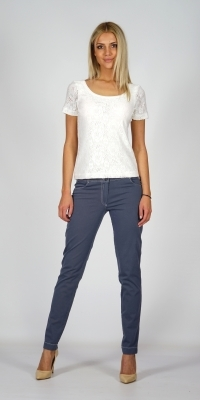 Lady's white elastic lace blouse, with short sleeves and knitwear lining 10772