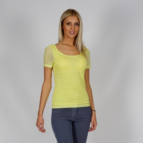 Lady's lace blouse in sunny yellow, with short sleeves and lining 10774