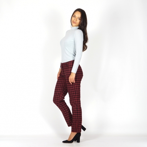 Lady's trousers in red  and black check  60531.