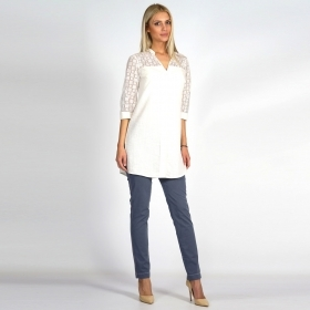 Lady's summer long linen shirt in white with cotton lace 30203