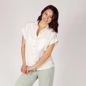 Ladies Loose Linen Shirt In Pale Ecru With Back Yoke And Collar With Stand 30240